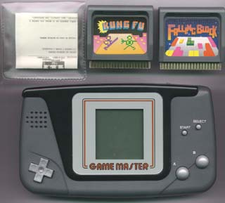 Game Master, 2 cartuchos y funda